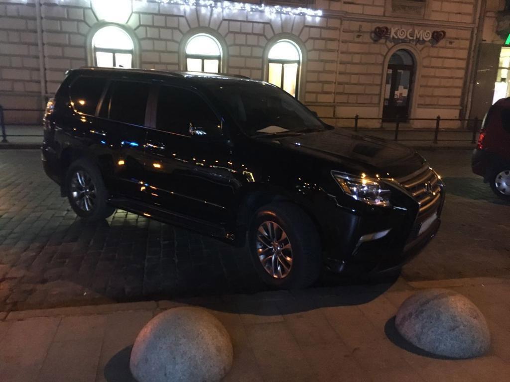 П'яний червоноградець у Львові пропонував хабар поліцейським за порушення ПДР