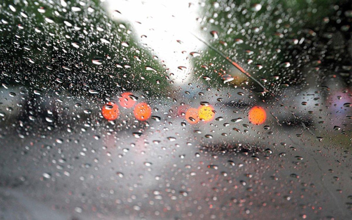 Як їздити у дощову погоду?