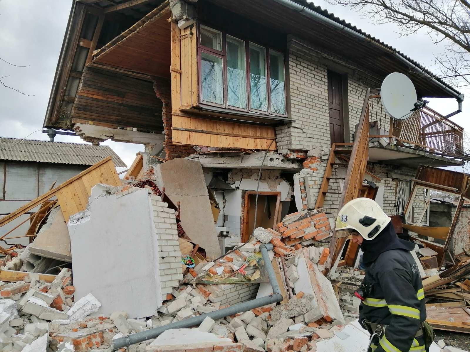 Вибух газу в Добрячині зруйнував житлову будівлю, травмована господиня – в лікарні
