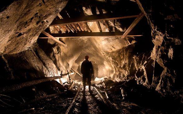 """8 гірників загинуло – без батьків залишилось 10 дітей – 4 роки тому стався вибух та обвал на шахті """"Степова"""""""