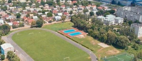 40 млн на стадіон у Сокалі, школу у Гірнику та водопровід від Бендюги до Червонограда. Всі об'єкти профінансують коштами ДФРР