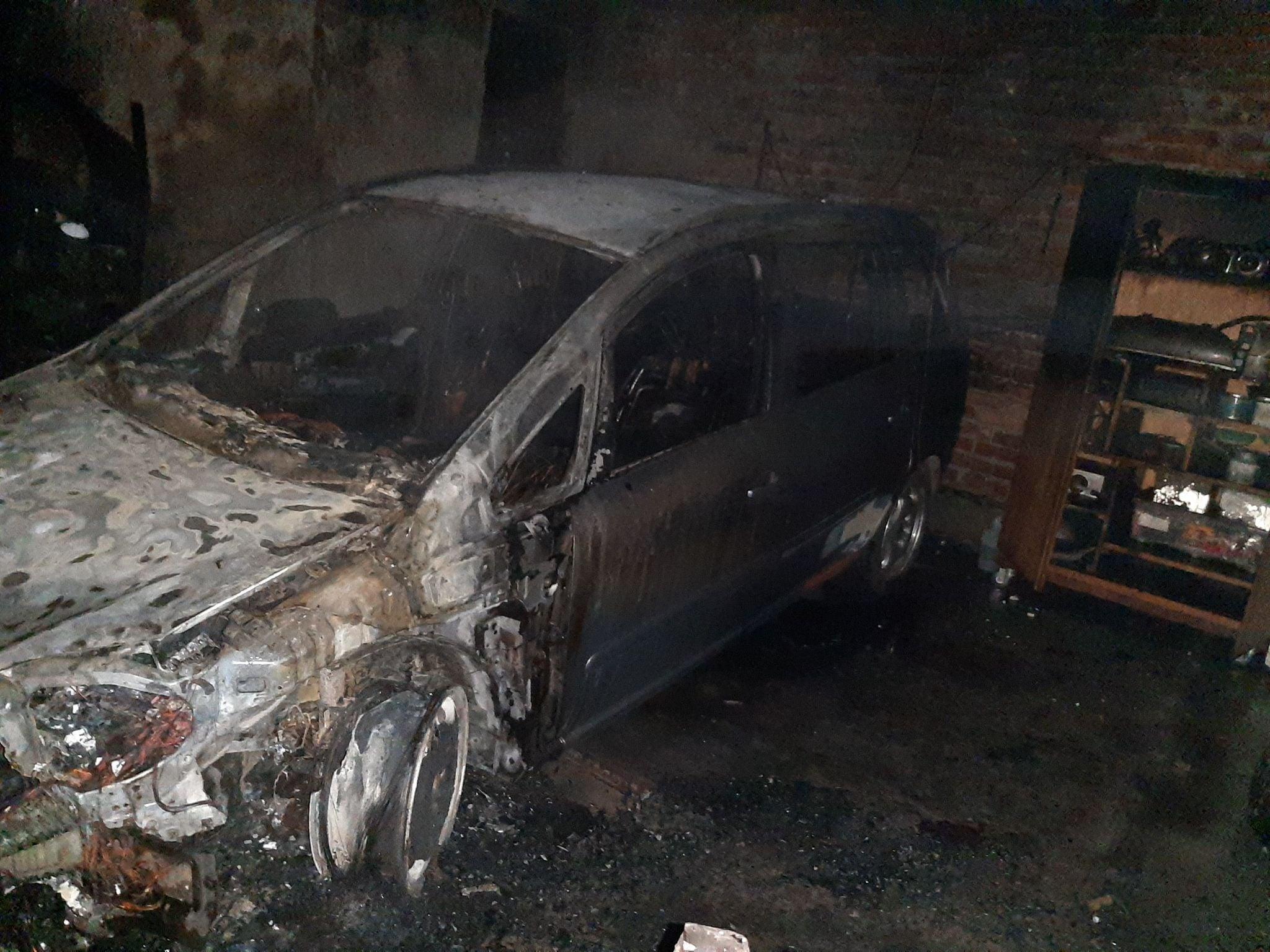 У селі Поториця згорів автомобіль