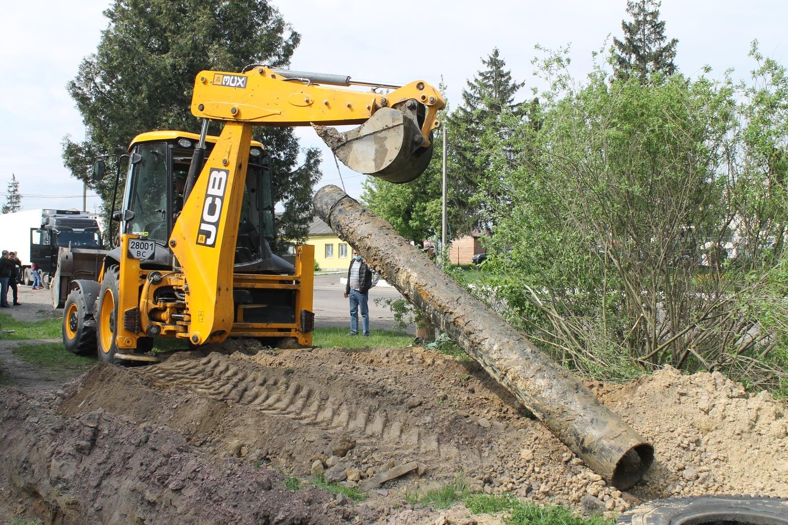 Внаслідок пориву водопроводу на Заставі в Червонограді можуть бути проблеми з водопостачанням у Соснівці та Гірнику