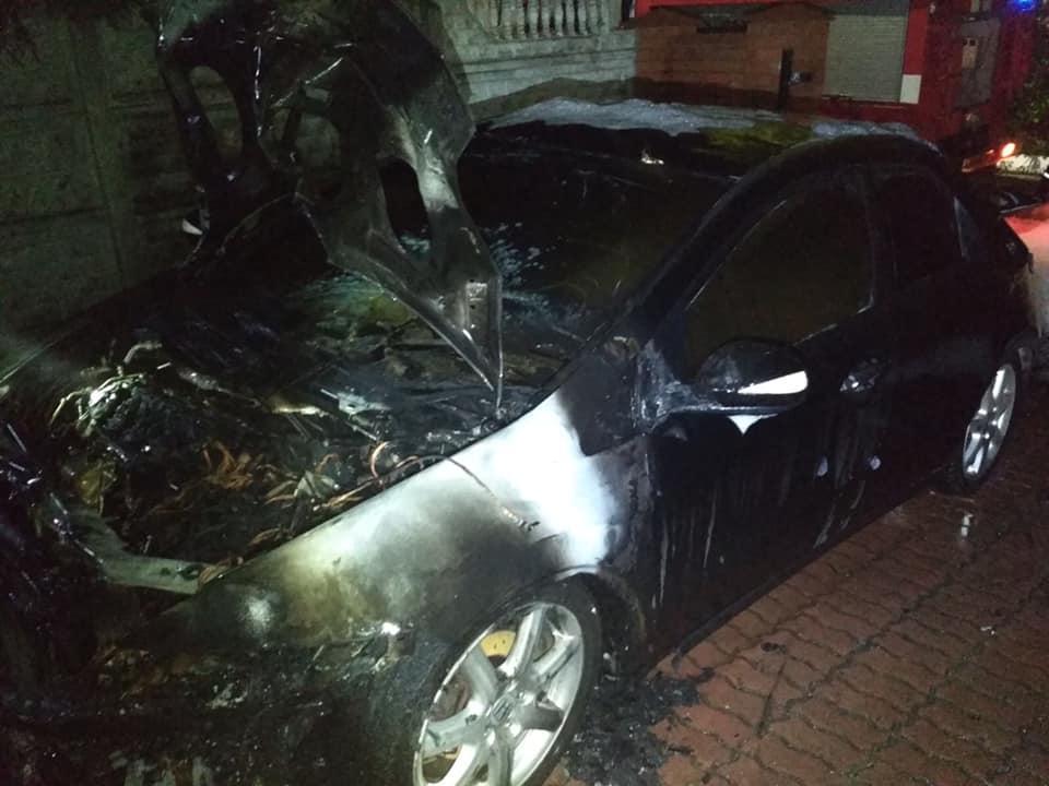 У Червонограді вночі згорів автомобіль