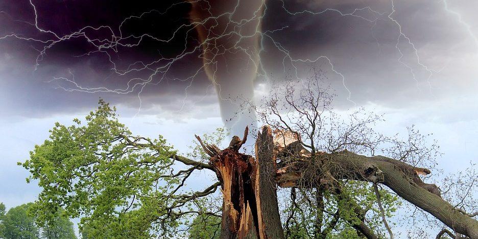 18 травня – рясні дощі, грози, зливи, сильний вітер. Оголошено штормове попередження