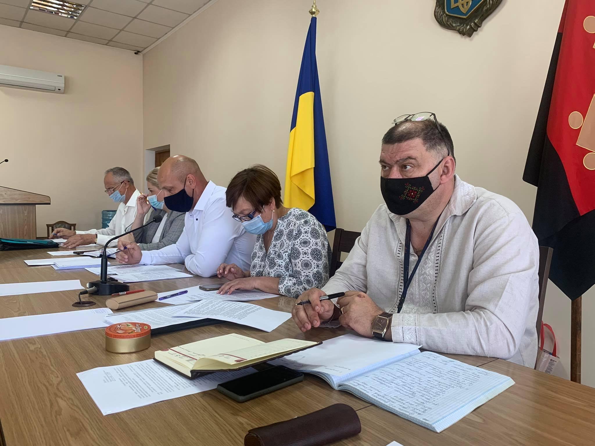 Всі новообрані директори загальноосвітніх закладів Червоноградскьої ТГ успішно пройшли атестацію