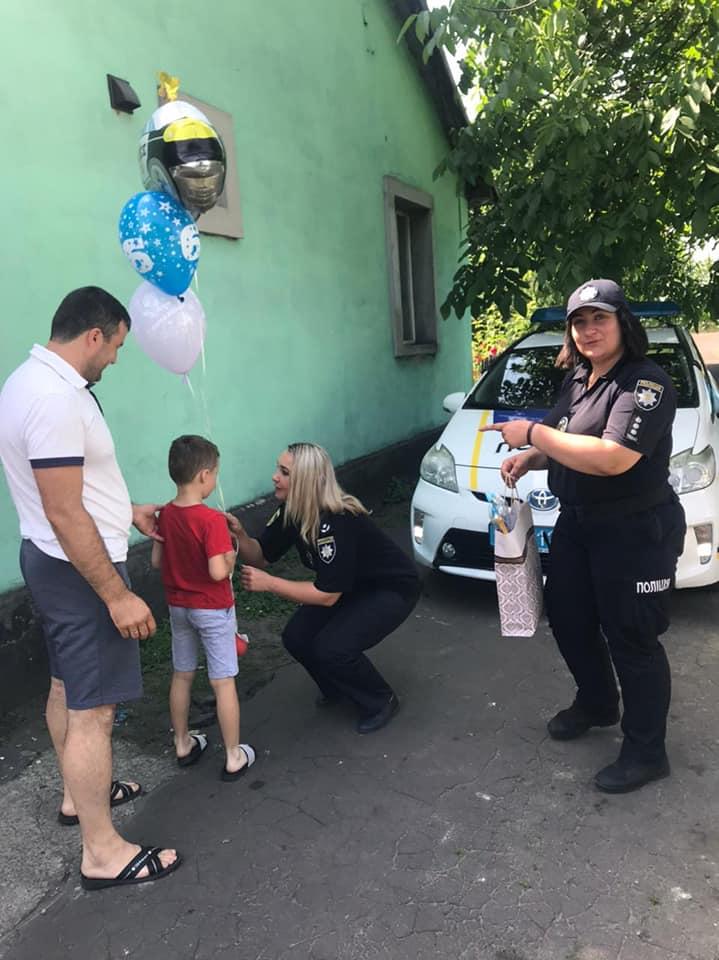 Червоноградські поліцейські здійснили мрію 6-річного Максимка